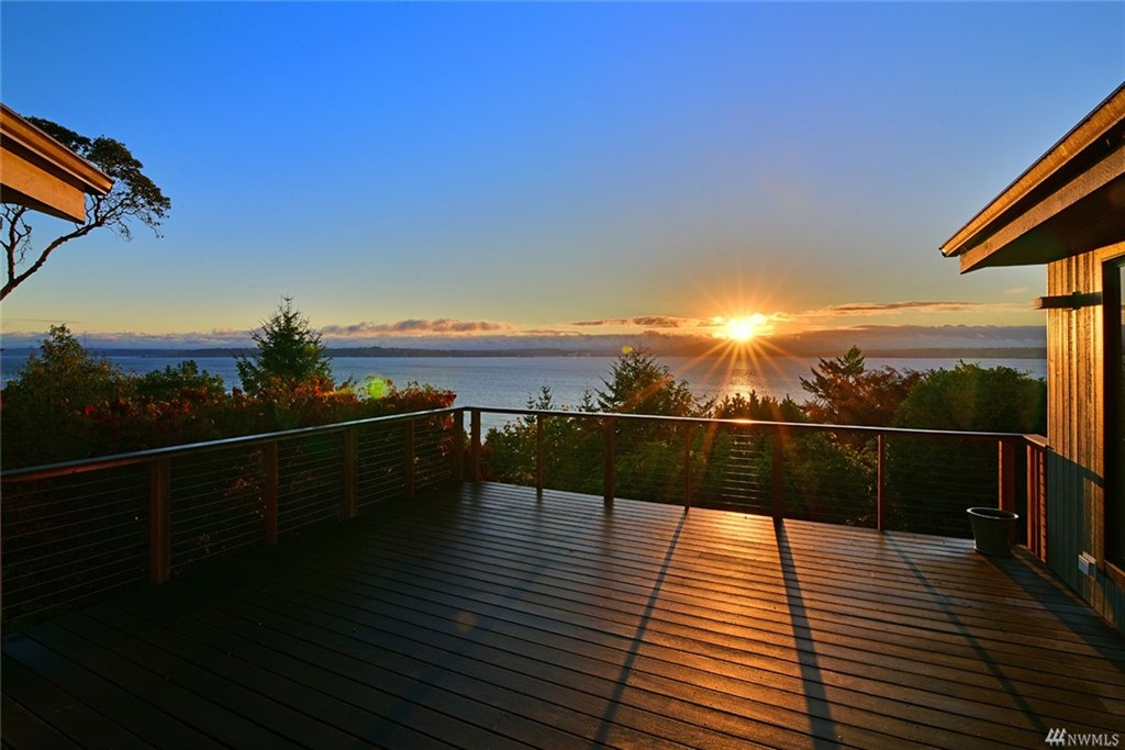 Bill Point Bluff NE sold home bainbridge island