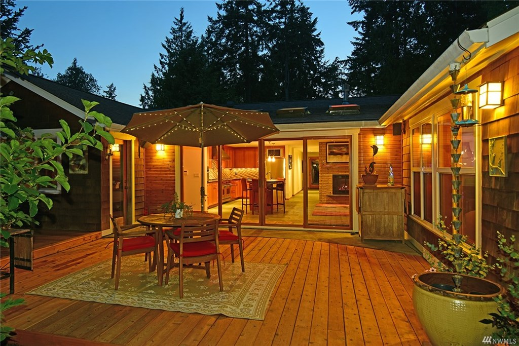 NE lariat loop sold home bainbridge island